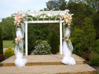 White Wood Arbor in Tuckahoe NJ, Enchanting Florist & Gift Shop