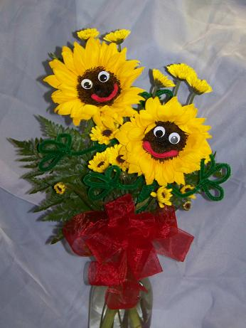 sun flower smiles in Crown Point IN, Debbie's Designs