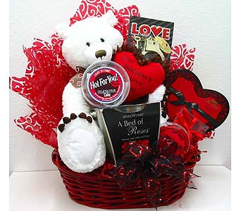 GB306  ''A Bed of Roses''  Romantic Gift Basket in Oklahoma City OK, Array of Flowers & Gifts