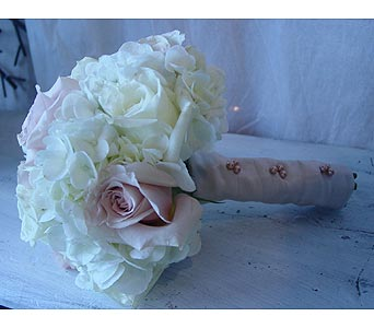 Antique in Massapequa Park NY, Bayview Florist & Montage  1-800-800-7304