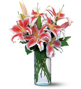 Lovely Lilies in Bakersfield CA, White Oaks Florist