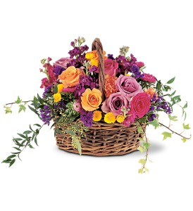 Garden Gathering Basket in Dry Ridge KY, Ivy Leaf Florist