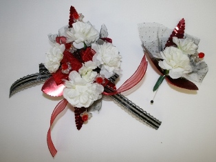 MINI CARNATIONS in Lebanon OH, Aretz Designs Uniquely Yours