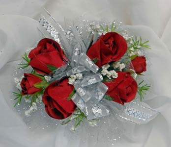 Net Backed Sweetheart Rose Wrist Corsage in Royersford PA, Three Peas In A Pod Florist