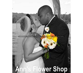 Original Wedding Designs in Auburn ME, Ann's Flower Shop