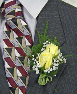 Sweetheart Rose Boutonni�re in Royersford PA, Three Peas In A Pod Florist