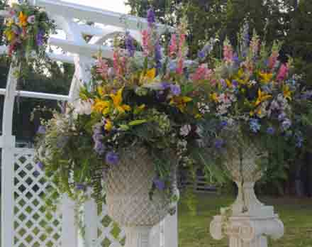 Flower Pots full of Fresh Flowers in Cabool MO, Cabool Florist At Cleea's