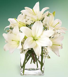 The FTD� Lush Lily� Bouquet  in Chicago IL, Yera's Lake View Florist