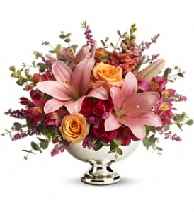 Teleflora's Beauty In Bloom in Santee CA, Candlelight Florist