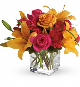 Teleflora's Uniquely Chic in Yonkers NY, Flowers By Candlelight