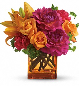 Teleflora's Summer Chic in New Iberia LA, Breaux's Flowers & Video Productions, Inc.