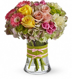 Fashionista Blooms in Mount Morris MI, June's Floral Company & Fruit Bouquets