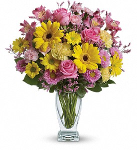 Teleflora's Dazzling Day Bouquet in Lindon UT, Bed of Roses