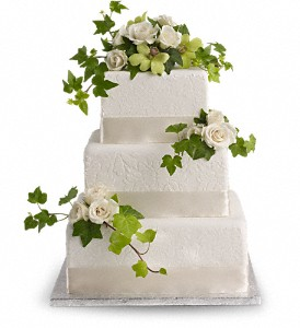 Roses and Ivy Cake Decoration in Big Rapids, Cadillac, Reed City and Canadian Lakes MI, Patterson's Flowers, Inc.