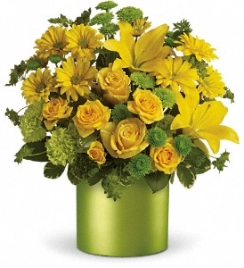 Teleflora's Say It With Sunshine in Warwick RI, Yard Works Floral, Gift & Garden