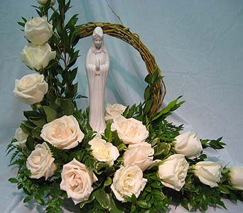 BLESSED MOTHER WITH GRAPEVINE HALO in New Paltz NY, The Colonial Flower Shop