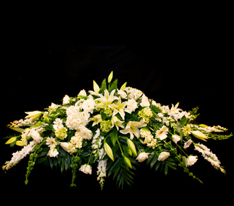 Casket Spray in Darien CT, Nielsen's Florist And Garden Shop