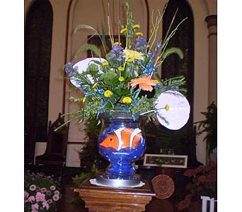 The second altar vase in Hanover PA, Country Manor Florist