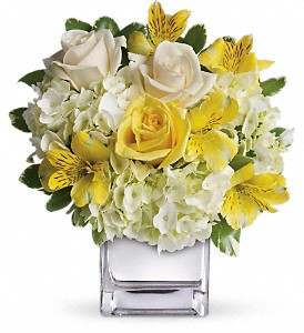 Teleflora's Sweetest Sunrise Bouquet in San Diego CA, <i><b>Edelweiss Flower Salon  858-560-1370</i></b>