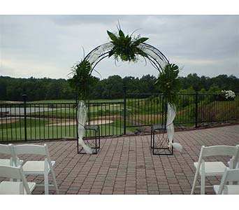 WEDDING ARCH IN HISTORICAL GETTYSBURG in Hanover PA, Country Manor Florist