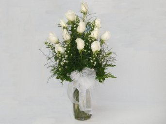 One dozen white roses. in Camden AR, Camden Flower Shop