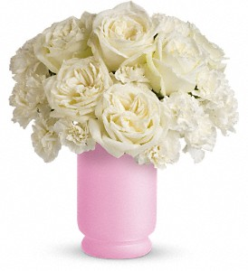 Teleflora's Sweetly Chic in Hollister CA, Precious Petals