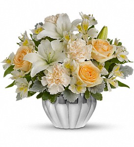 Teleflora's Kiss Me Softly in Warsaw KY, Ribbons & Roses Flowers & Gifts