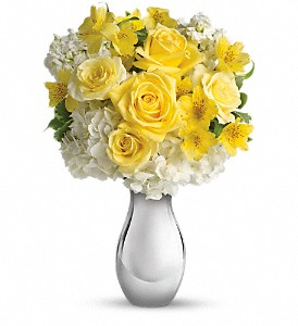 Teleflora's So Pretty Bouquet in Tulsa OK, Ted & Debbie's Flower Garden
