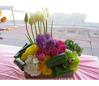 Loveliness in West Los Angeles CA, Sharon Flower Design