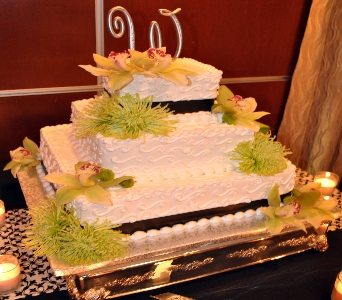 Green Flower Cake Decoration in Kissimmee FL, Golden Carriage Florist
