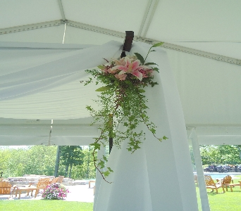 Huppah Decor in Saratoga Springs NY, Dehn's Flowers & Greenhouses, Inc
