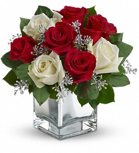 Teleflora's Snowy Night Bouquet in Traverse City MI, Cherryland Floral & Gifts, Inc.