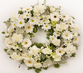 Sympathy Wreath in flower-delivery , Petals