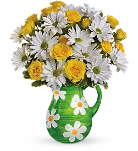 Teleflora's Happy Daisies Bouquet in San Marcos CA, Angel's Flowers