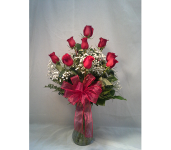 Classic Dozen Red Roses in Stephens City VA, The Flower Center
