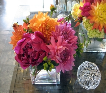 Perfectly Chic Bouquet in Oakville ON, April Showers