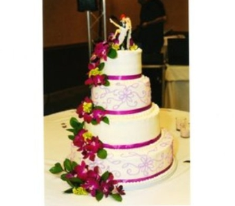 Stefanie's and Jeremy's Cake in Hanover PA, Country Manor Florist