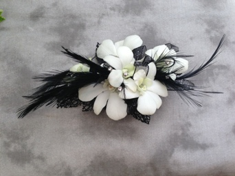 Black Swan Wristlet in Crystal Lake IL, Countryside Flower Shop