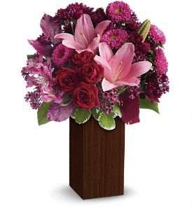 A Fine Romance by Teleflora in Commerce Twp. MI, Bella Rose Flower Market
