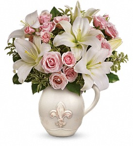Teleflora's Fleur-de-Love Bouquet in Redwood City CA, A Bed of Flowers