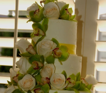 Wedding cake in San Diego CA, Flowers Of Point Loma