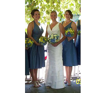 Bridal Bouquet in Kennebunk ME, Blooms & Heirlooms ��