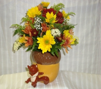 bellmore flower centerpiece in Bellmore NY, Petite Florist