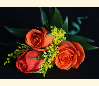 Boutonniere 3 Spray Roses in Southampton PA, Domenic Graziano Flowers
