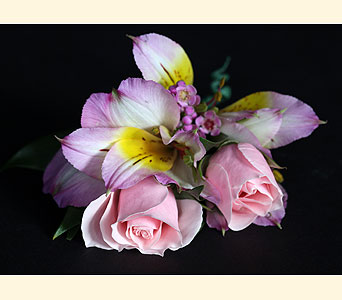 Boutonniere 2 Spray Rose, 2 Alstromeria in Southampton PA, Domenic Graziano Flowers