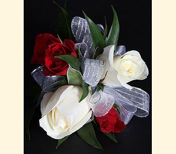 Corsage 2Roses, 3 Spray Roses in Southampton PA, Domenic Graziano Flowers