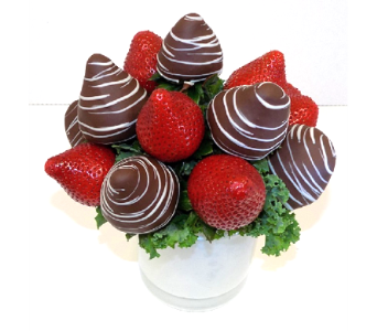Berry Bouquet Half Choc. in Timmins ON, Timmins Flower Shop Inc.