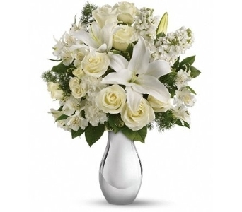Shimmering White Bouquet in Norristown PA, Plaza Flowers