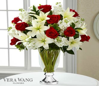 Grand Occasion By Vera Wang in Kingsport TN, Holston Florist Shop Inc.