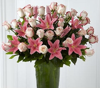 Exquisite Roses & Lilies in El Paso TX, Debbie's Bloomers